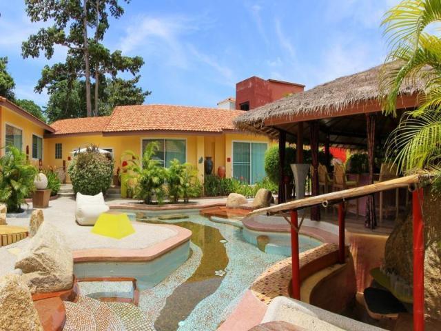 แพนโดรา ไลฟ์สไตล์ โฮเต็ล – Pandora Lifestyle Hotel