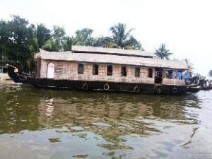 เอทีดีซี เฮ้าส์โบ้ทส์ (A.T.D.C. House Boats)