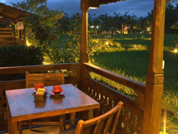 Kajane Yangloni Hotel