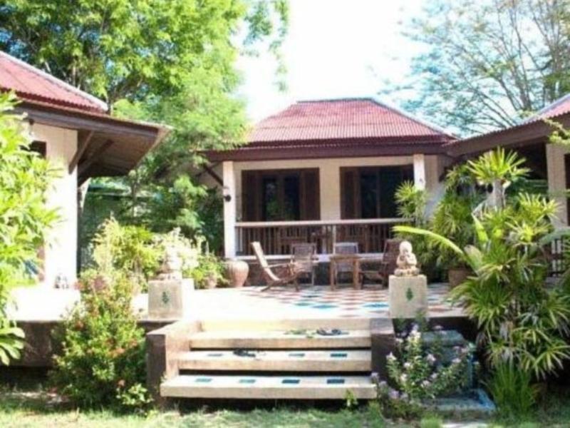 The Emerald Bungalow Resort ดิเอ็มเมอร์รัล บังกะโล รีสอร์ต