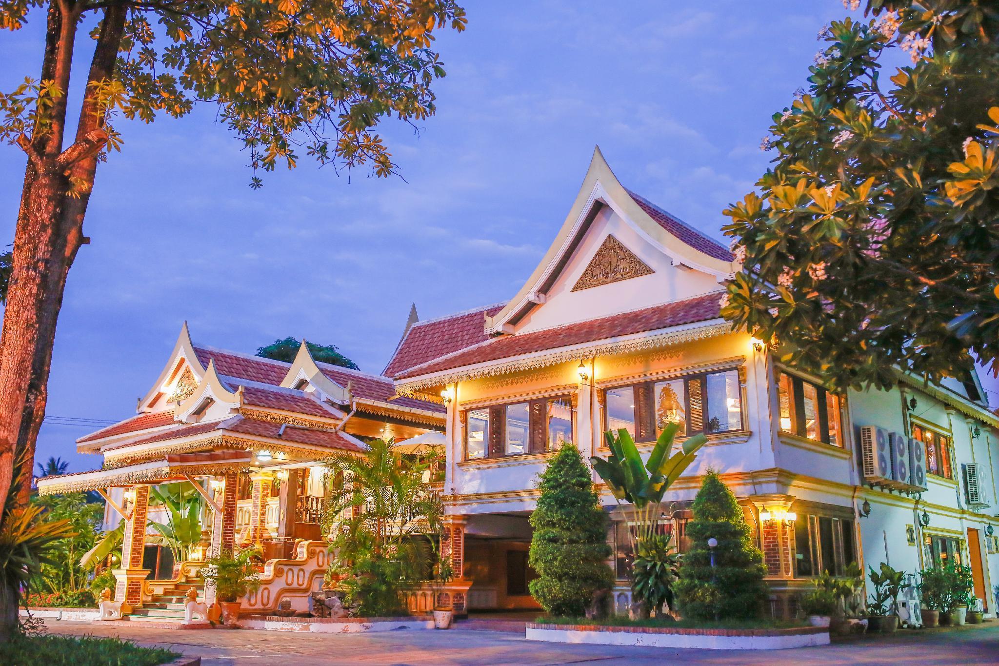 E Outfitting VangThong Hotel
