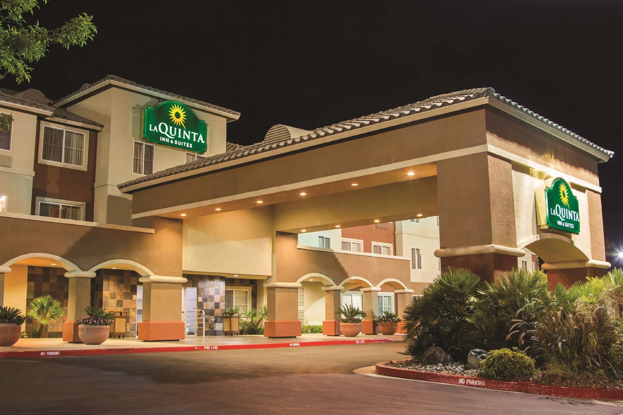 La Quinta Inn And Suites By Wyndham Las Vegas Red Rock