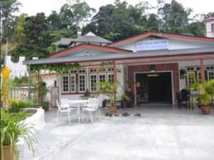 Eight Mentigi Guest House