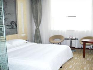Reviews Golden Palace Hotel