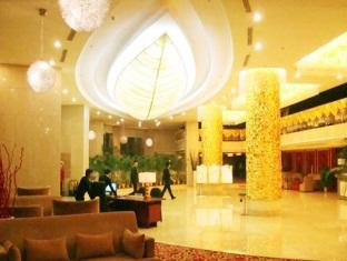 Price Golden Palace Hotel