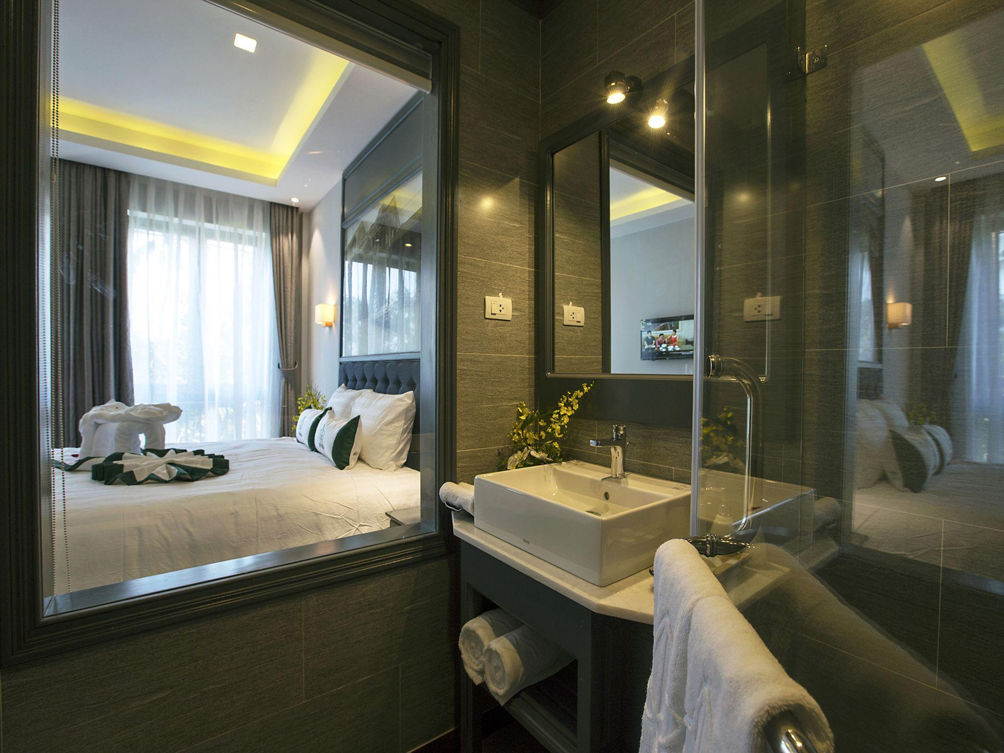 Ivy Villa One Deluxe Room With Double Bed 02