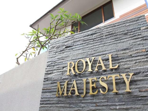 Royal Majesty Villas