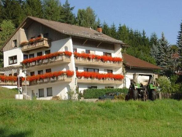 Haus Margarete And Landhaus Karin
