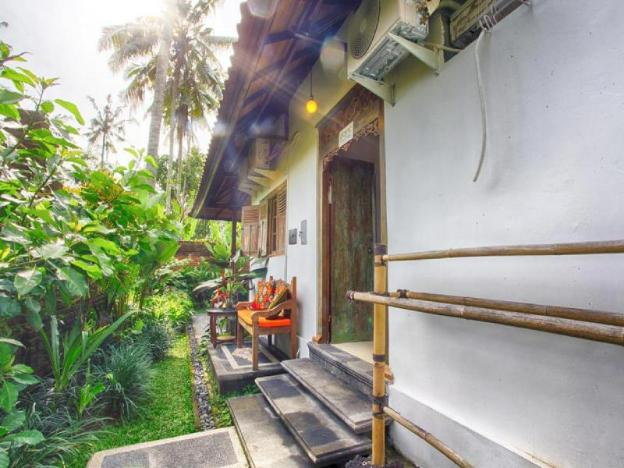 Peach Room at Imagine Bali Villa
