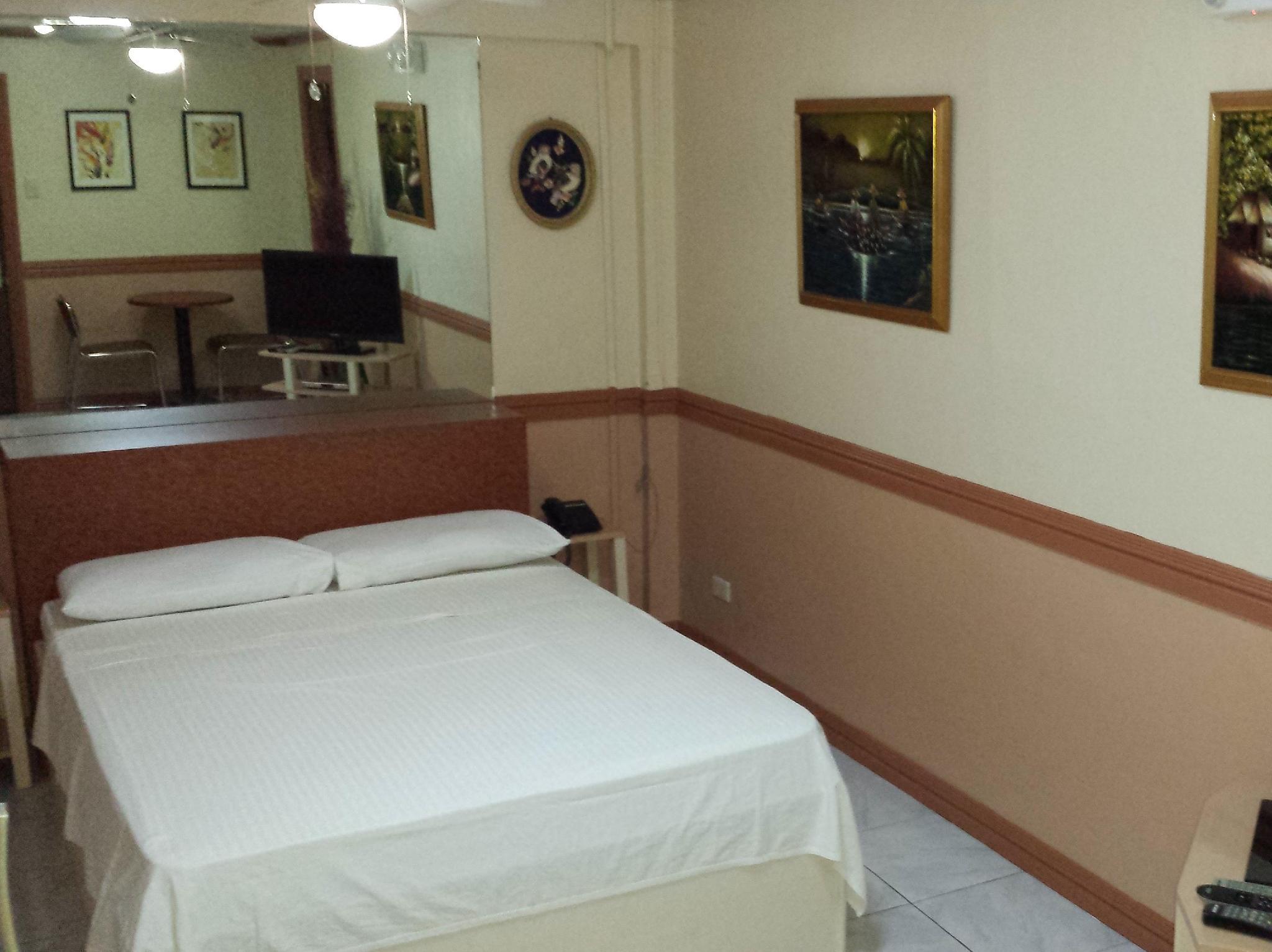 Kokomos Hotel & Restaurant