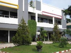 ホテル バンジャール プロマイ (Hotel Banjar Permai)