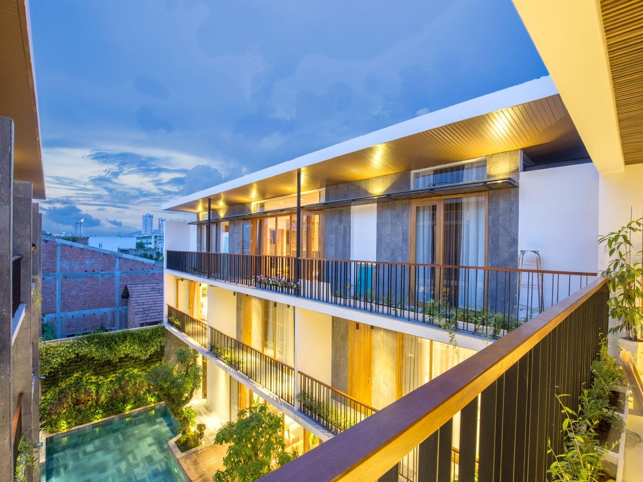 Tam House Villa Hotel Deluxe Room With Balcony 3