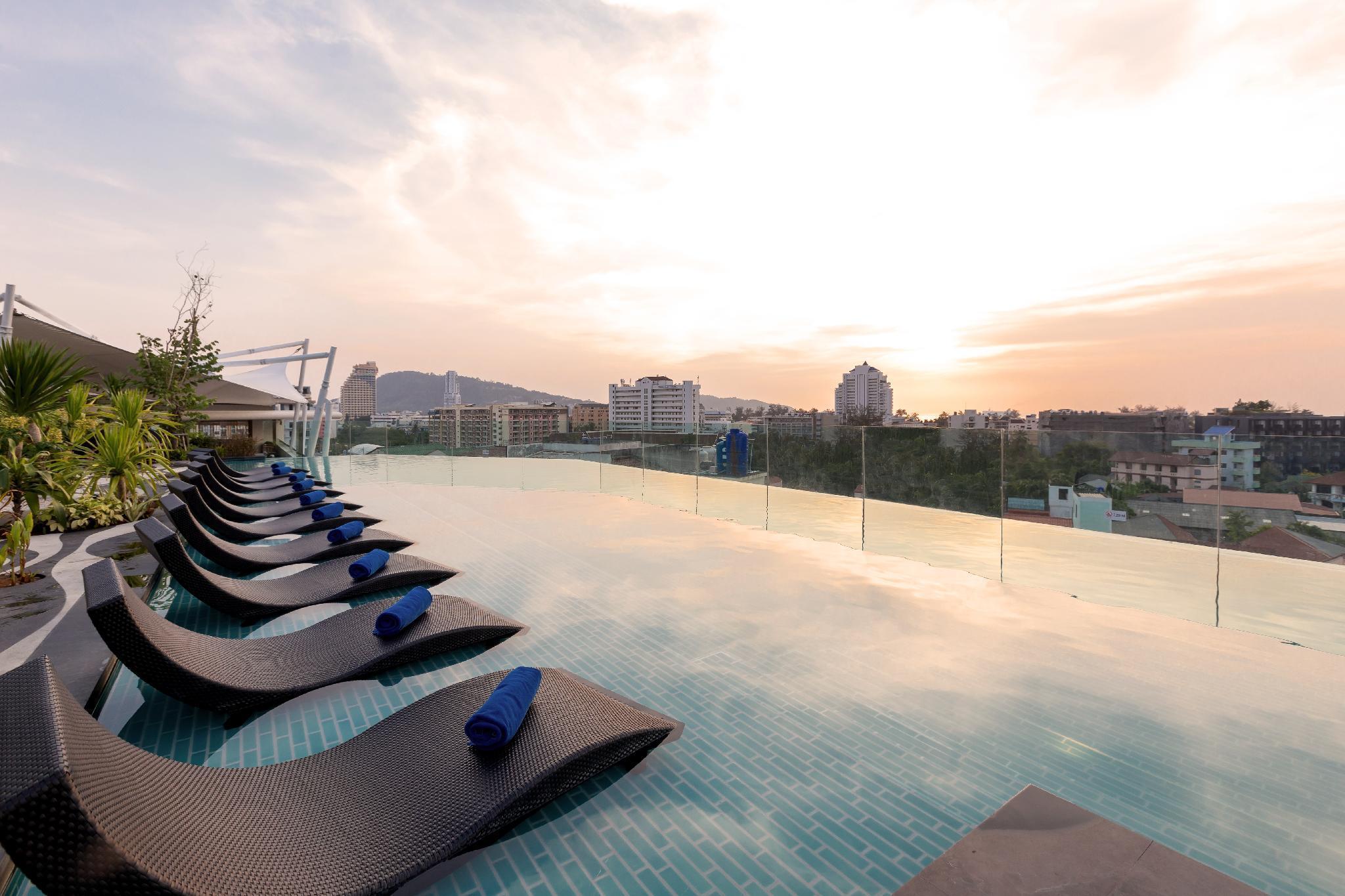 Oakwood Hotel Journeyhub Phuket โอ๊ควูด โฮเต็ล เจอร์นีย์ฮับ ภูเก็ต