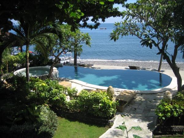 Double One Villas Amed Bali