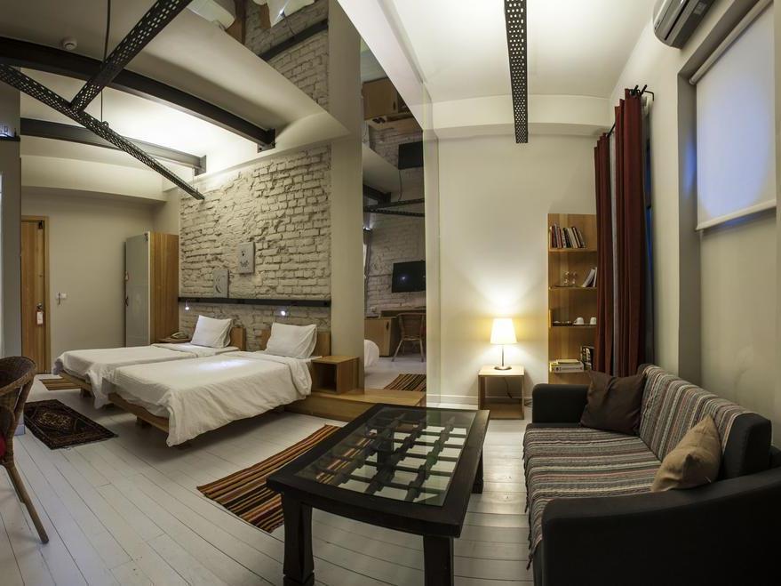 Peradays Hotel