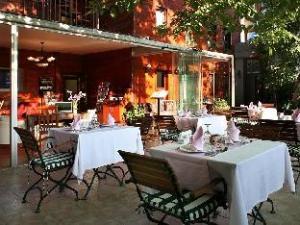 Rose Garden Suites Hotel