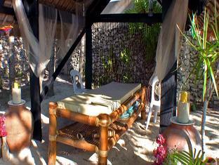picture 3 of Ravenala Resort