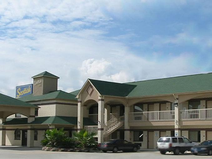 SCOTTISH INN And SUITES HUMBLE