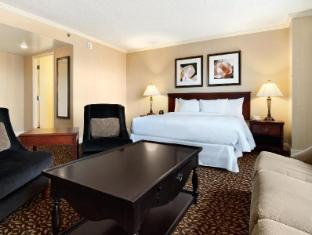 Hilton Atlanta Marietta Hotel and Conference Center (Pet-friendly)