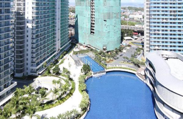 Azure Suite Wave Pool Beach Resort! Manila