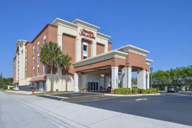 Hampton Inn and Suites Cape Coral