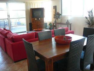 Sundeck Garden Apartments