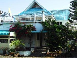 P California Inter Hostel