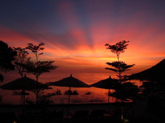 ซี การ์เดน รีสอร์ท หาดเจ้าเปา – Sea Garden Resort Haad Chao Phao