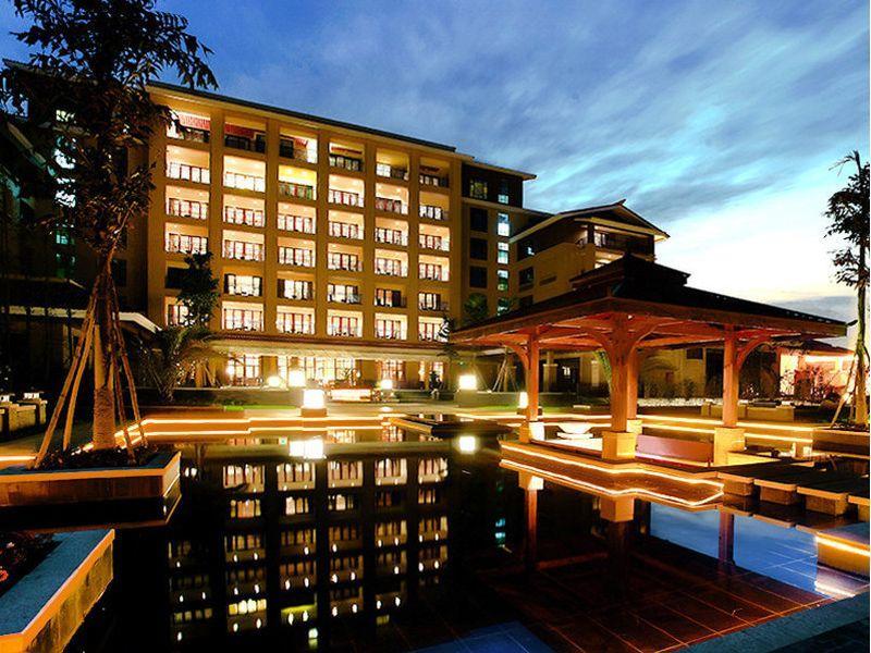 Xinjin Celebrity City Hotel Reviews