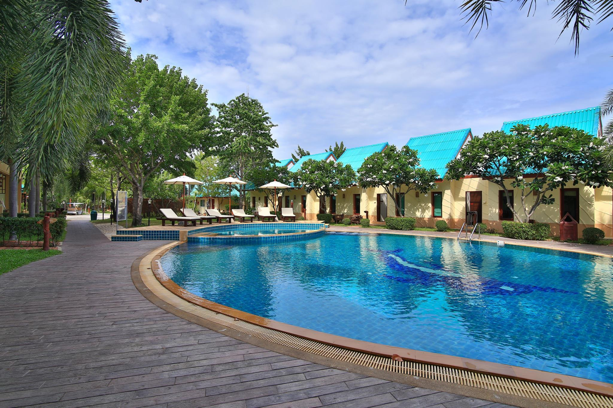 The Green Beach Resort