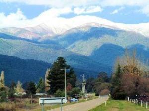 Alpine Park Riverside Cottages