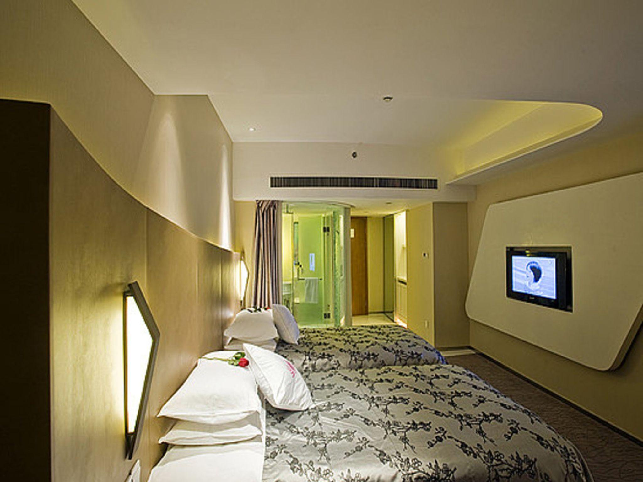 Review Hangzhou E M Grand Hotel