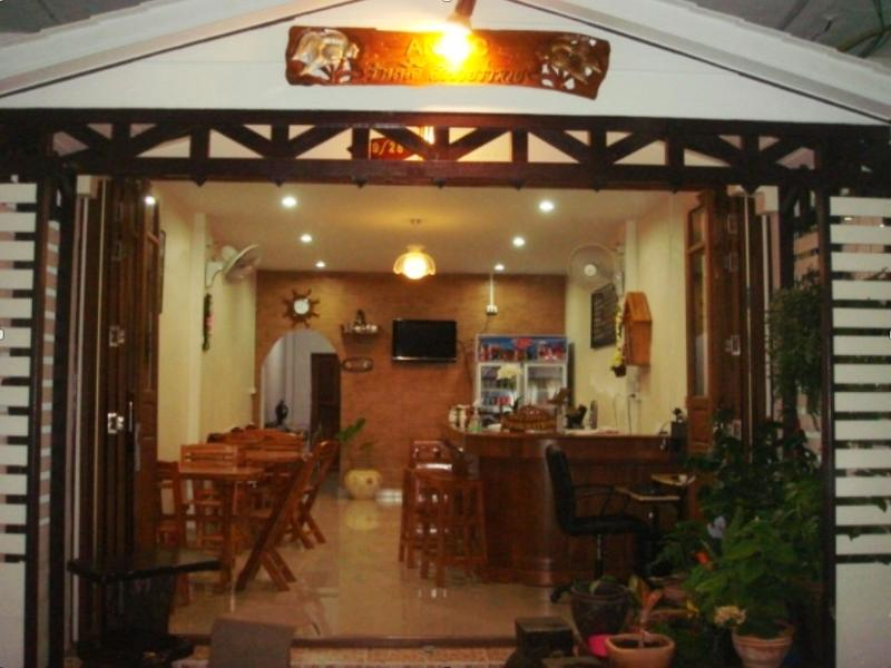 Anzac Wooden Guesthouse And Cafe