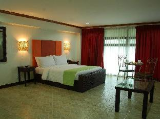 picture 5 of Ecoland Suites