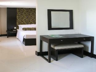 picture 4 of The Green Glass Boutique Hotel