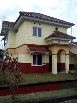 5BR 1 Villa at Ciater Highland Block Ranchero Bandung
