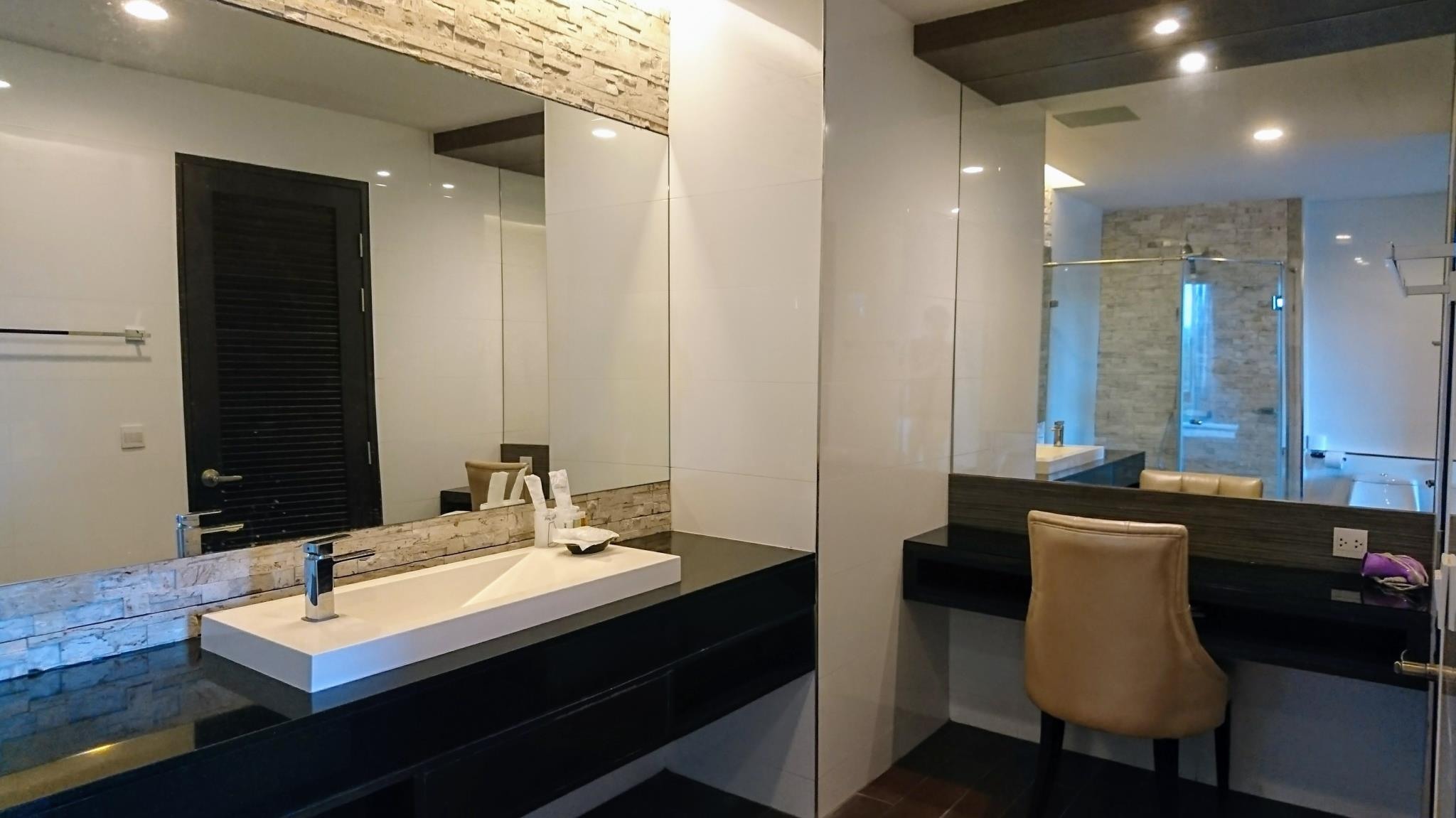 Review The Regent Bangtao by VIP - Superior Jacuzzi