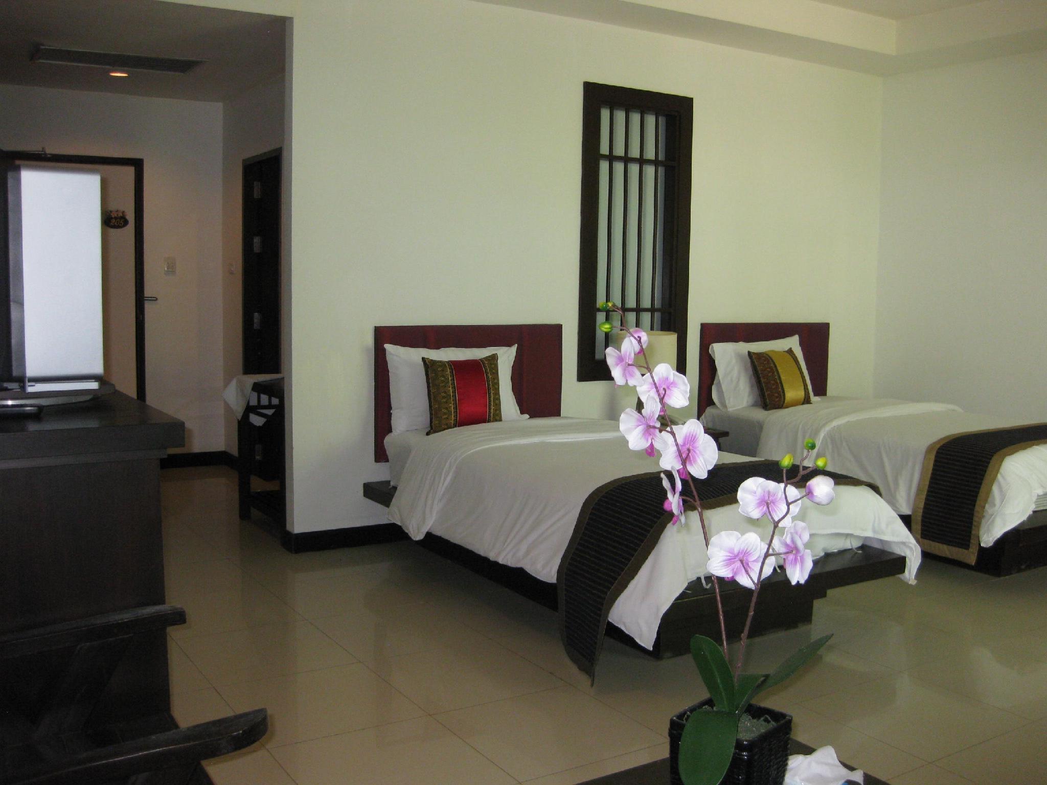 Phuket Naithon Resort