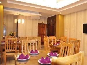 Palm Hotel – Hoang Dung