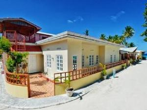 화이트쉘 비치 인 앳 마푸시  (Whiteshell Beach Inn at Maafushi)