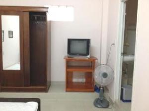 Cam Tu Cau Hotel