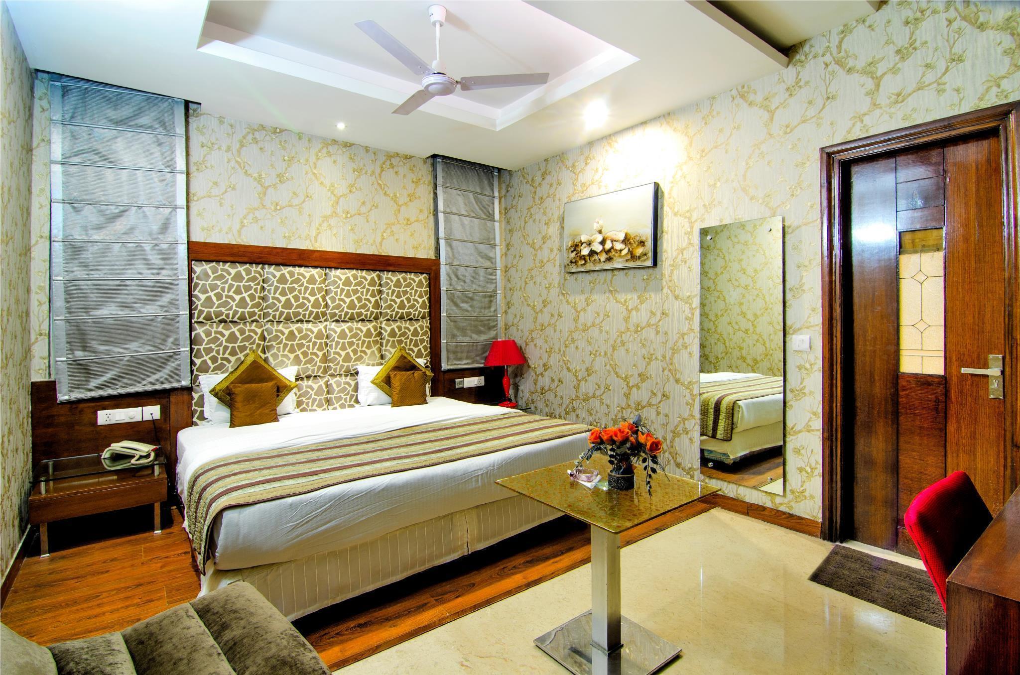 Hotel Omega Residency