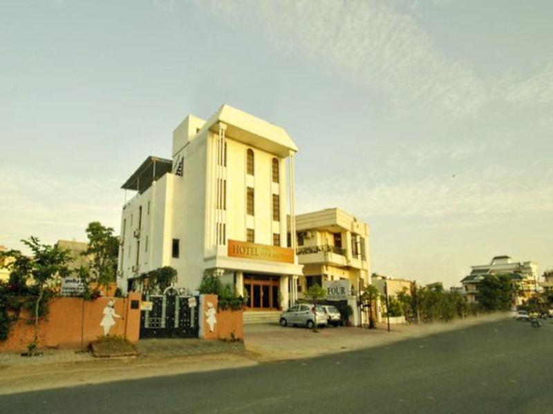 Four Luxury Boutique Hotel