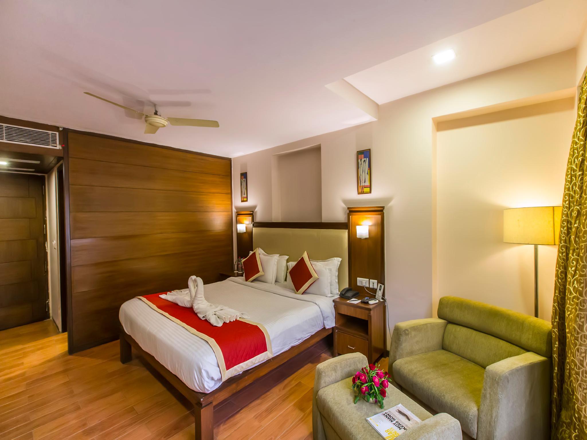 Hotel Golden Manor