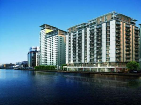 Discovery Dock Apartments London