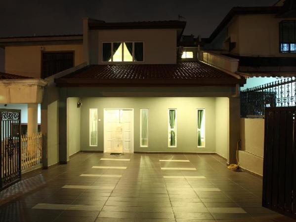 Leisure Home Stay @ Taman Segar Kuala Lumpur