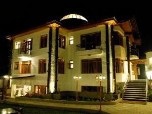 호텔 로얄 카지르  (Hotel Royal Khazir)