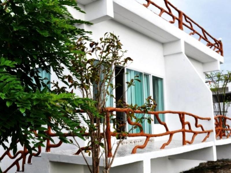 Suanmaihom Resort And Souvenir City
