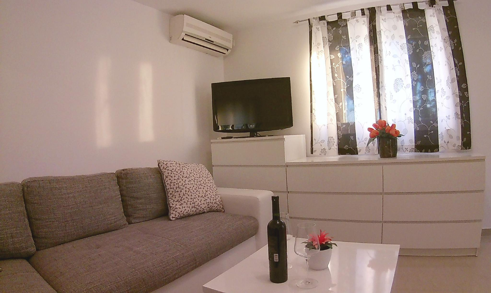 Apartment Near Old Town Dubrovnik With Terrace