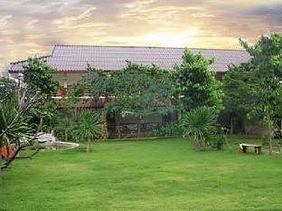 Koh Sichang Resort เกาะสีชัง รีสอร์ท